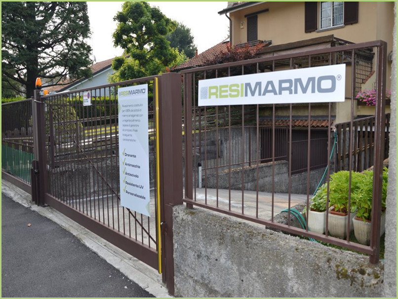 0-Distinctive and legal signs of RESIMARMO a yard at a customer